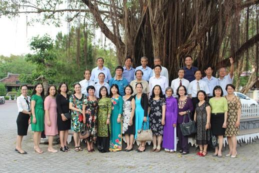 Công đoàn Trường Đại học Y Dược Huế tổ chức gặp mặt các thế hệ cán bộ Công đoàn nhân dịp kỷ niệm 60 năm thành lập Trường