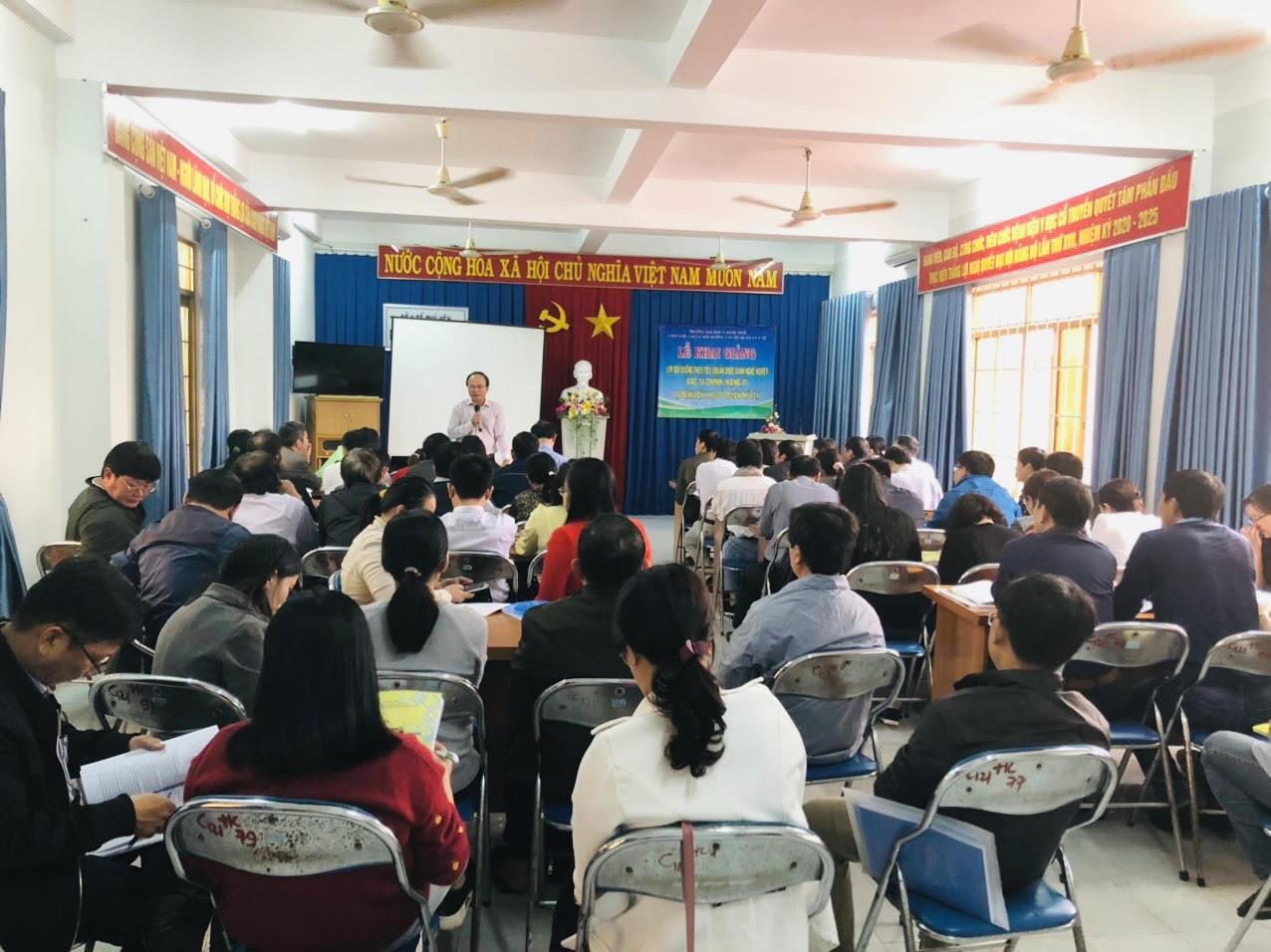Tổ chức đào tạo Lớp bồi dưỡng theo tiêu chuẩn chức danh nghề nghiệp Bác sĩ chính (Hạng II) tại Bệnh viện Y học cổ truyền Phú Yên