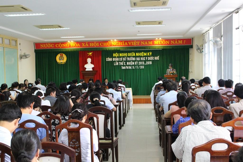 Công đoàn Cơ sở Trường Đại học Y Dược Huế  tổ chức hội nghị giữa nhiệm kỳ 2013 – 2018