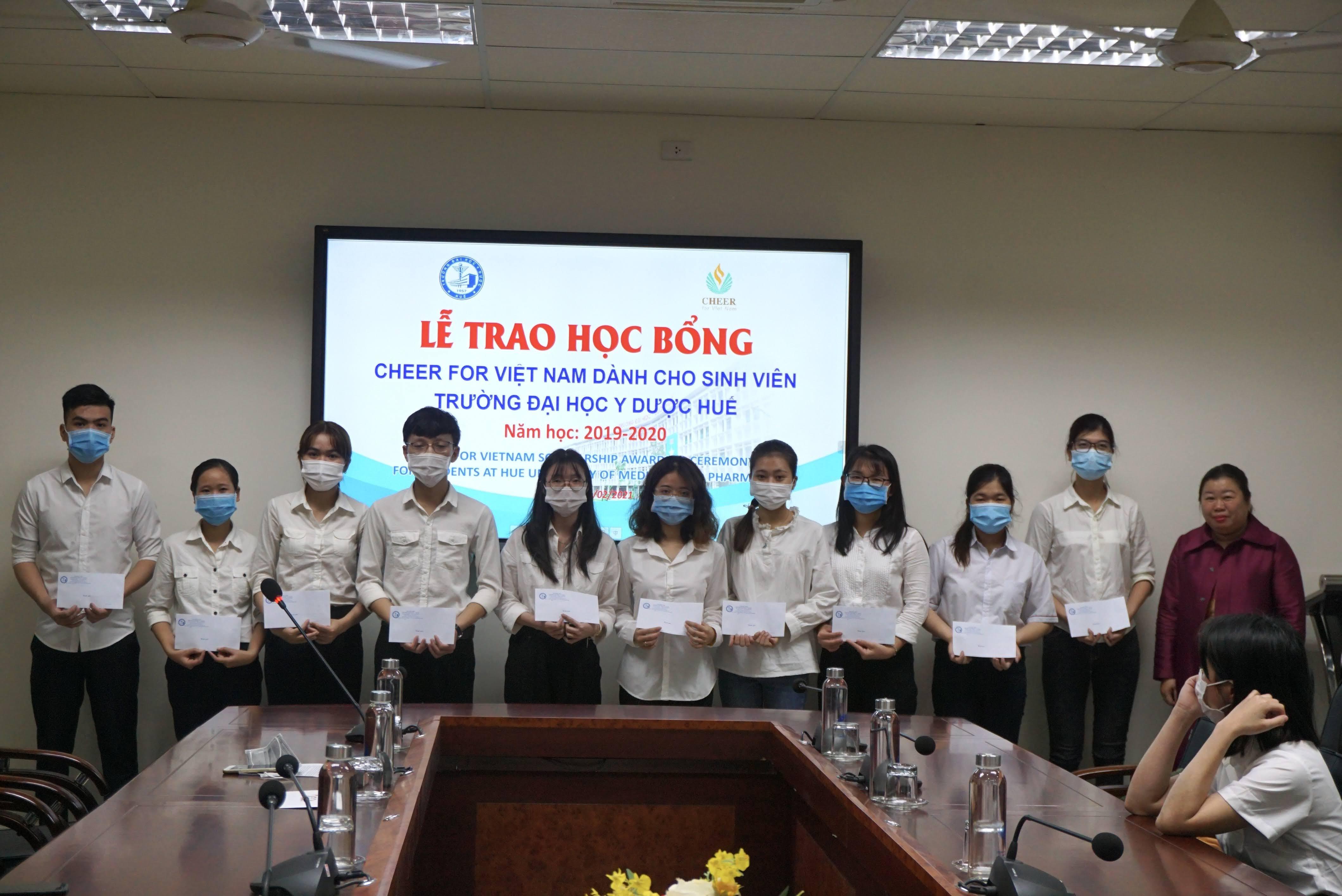 Lễ trao học bổng Cheer for Vietnam năm học 2019-2020