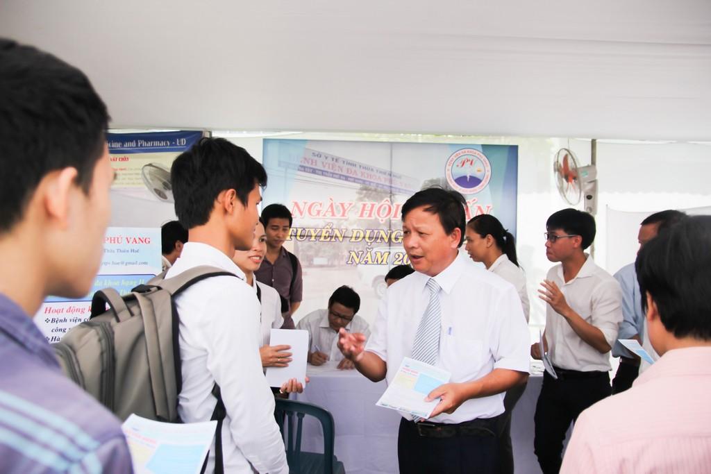 Ngày hội tư vấn tuyển dụng việc làm cho sinh viên tốt nghiệp năm 2017