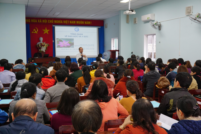 Đào tạo y đức cho cán bộ y tế tỉnh Quảng Ngãi