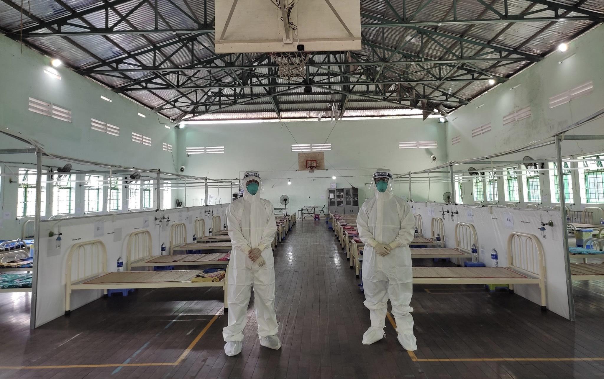 Đoàn tình nguyện số 4 Trường Đại học Y - Dược Huế chăm sóc sức khỏe F0 tại cộng đồng Quận Bình Tân, TP. Hồ Chí Minh