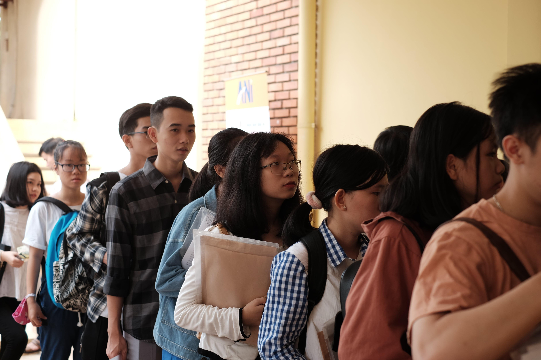 Chào đón tân sinh viên hệ chính quy trúng tuyển nhập học năm học 2019 - 2020