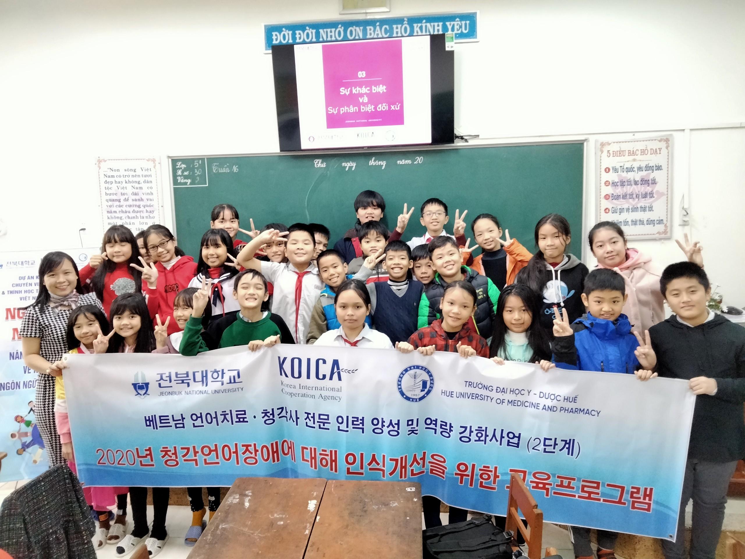 Chương trình giáo dục ngoại khoá nâng cao nhận thức về khuyết tật ngôn ngữ và khiếm thính 2020