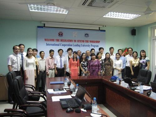 """Khởi động dự án """"Xây dựng năng lực cho chương trình đào tạo điều dưỡng ở Việt Nam và thành lập trung tâm đào tạo cấp cứu y khoa"""" tại trường ĐHYD Huế"""