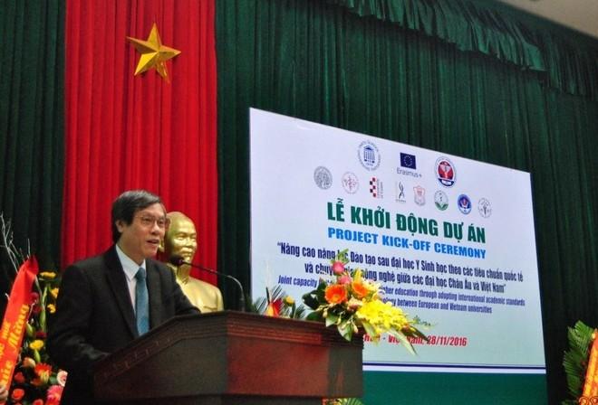 """Lễ khởi động dự án """"Nâng cao năng lực Đào tạo sau đại học Y sinh học theo tiêu chuẩn quốc tế và chuyển giao công nghệ giữa các Đại học Châu Âu và Việt Nam  (EDUSHARE)"""""""
