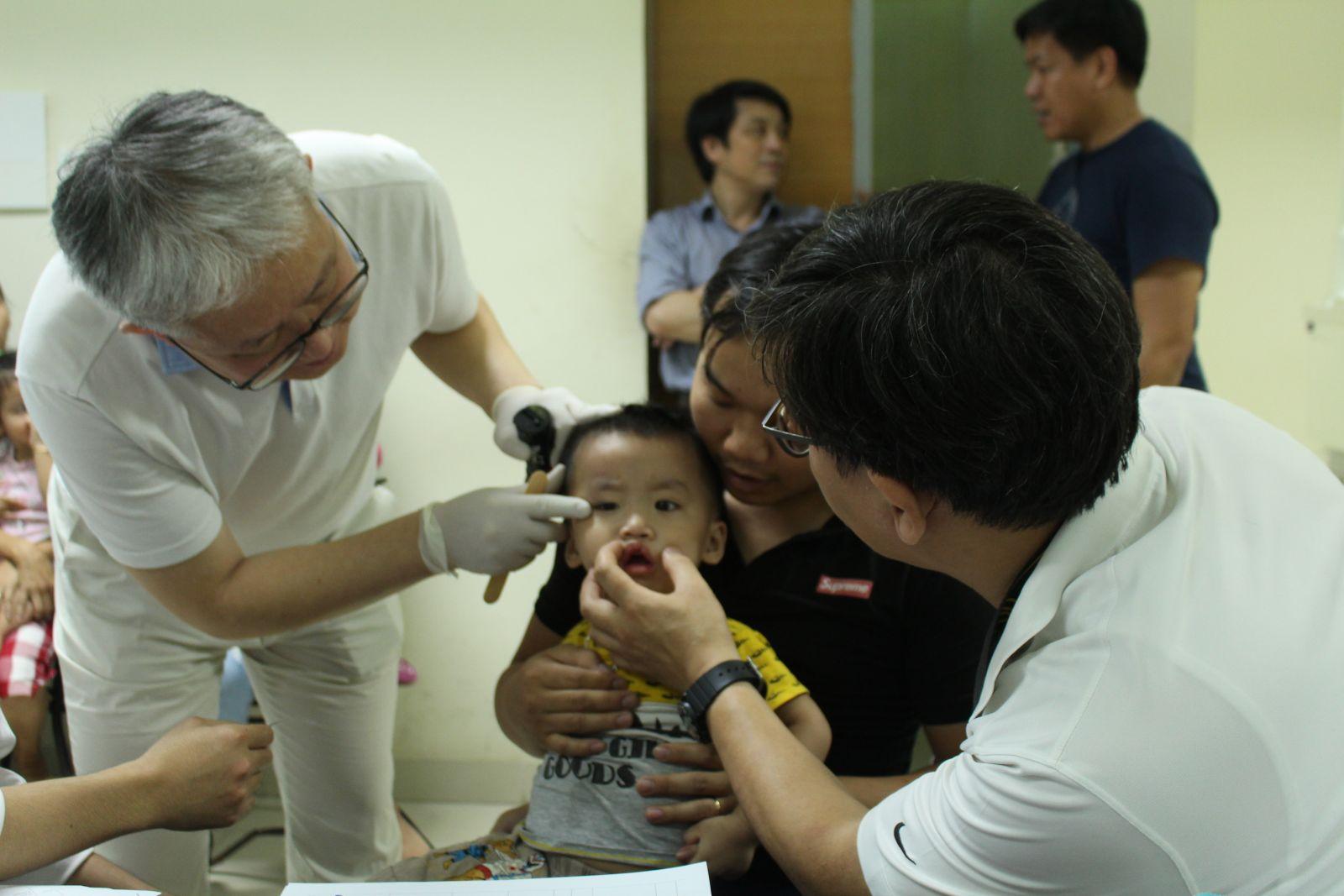 Tổ chức Global Care phẫu thuật cho các bệnh nhi sứt môi, hở hàm ếch