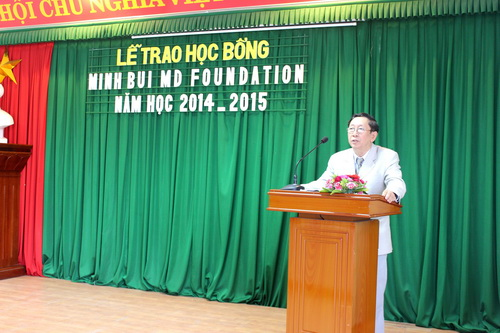 Công đoàn Trường Đại học Y Dược Huế tổ chức trao học bổng MINHBUI
