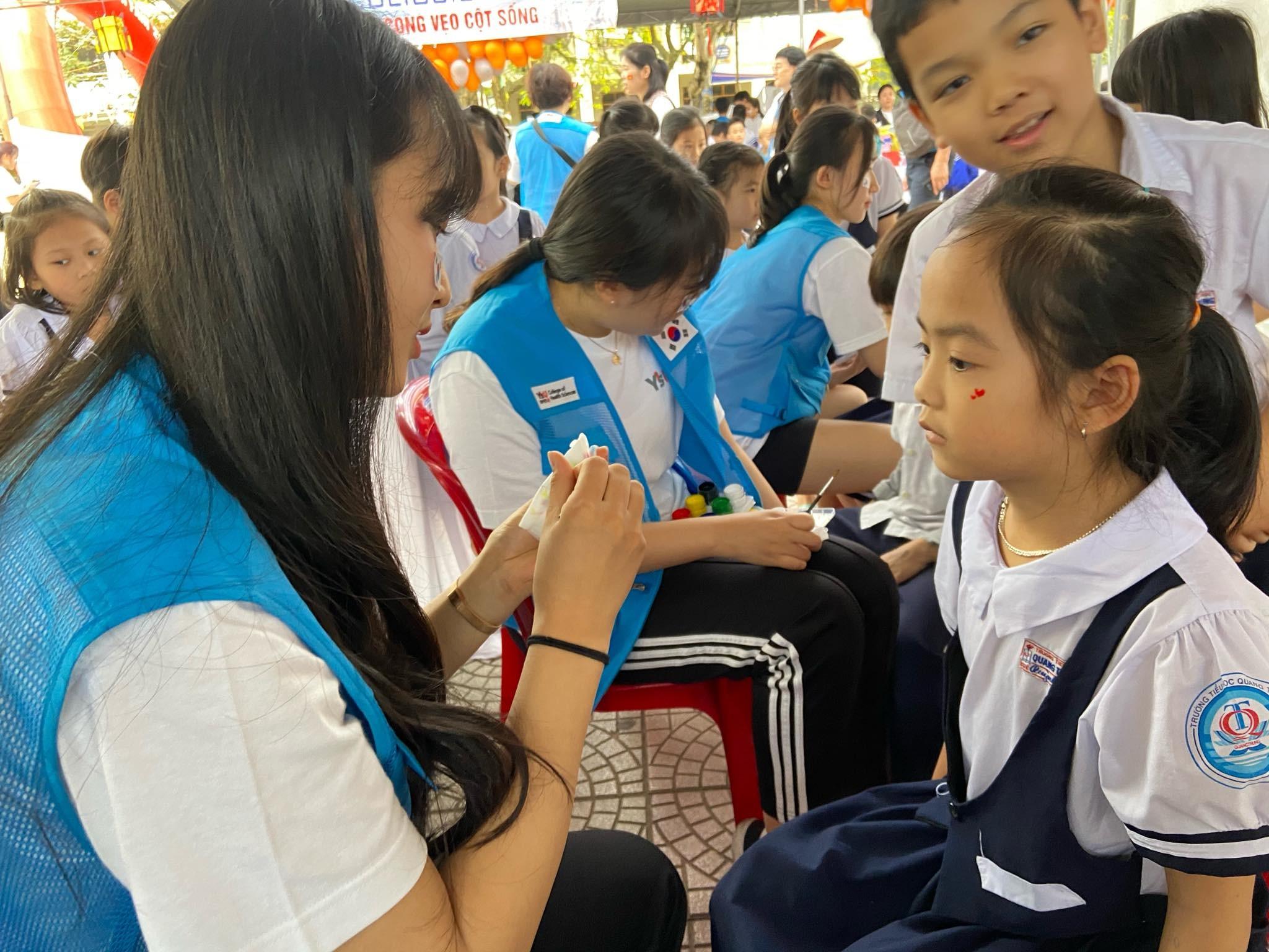 Ngày hội sức khỏe tại Trường tiểu học Quang Trung