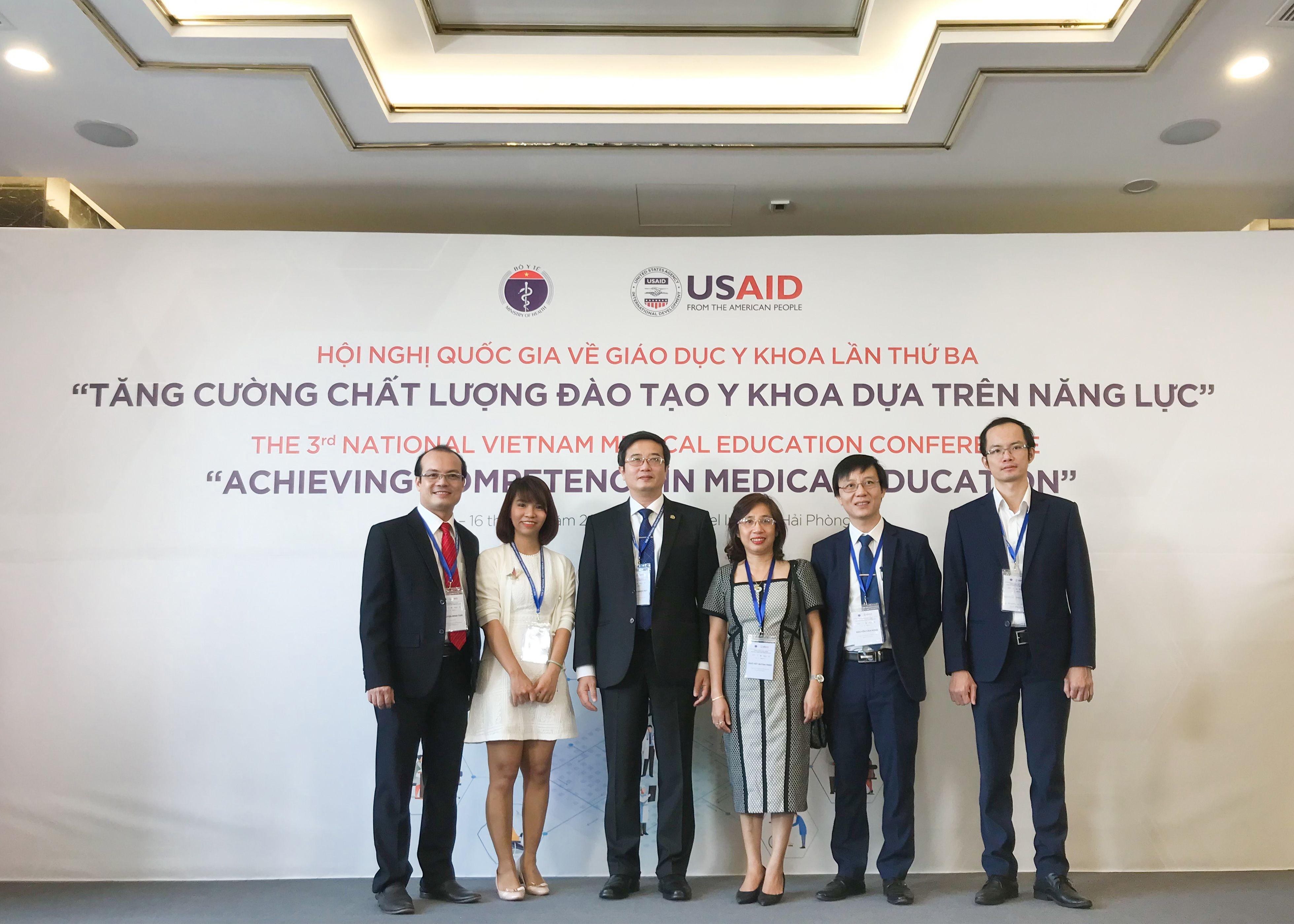 Trường Đại học Y Dược Huế tham dự và báo cáo tại hội nghị quốc gia về giáo dục y khoa lần thứ ba