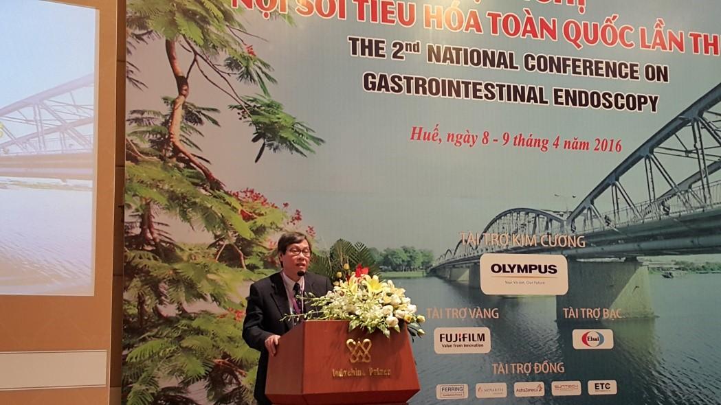 GS Cao Ngọc Thành, đồng trưởng ban tổ chức, phát biểu khai mạc