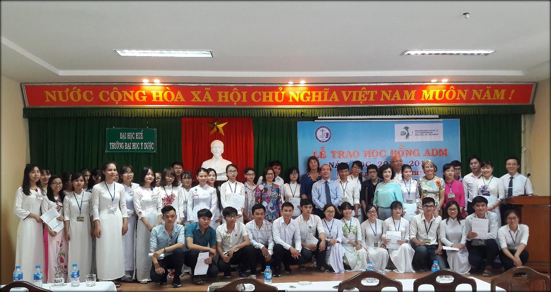 45 sinh viên được trao học bổng ADM năm học 2017-2018