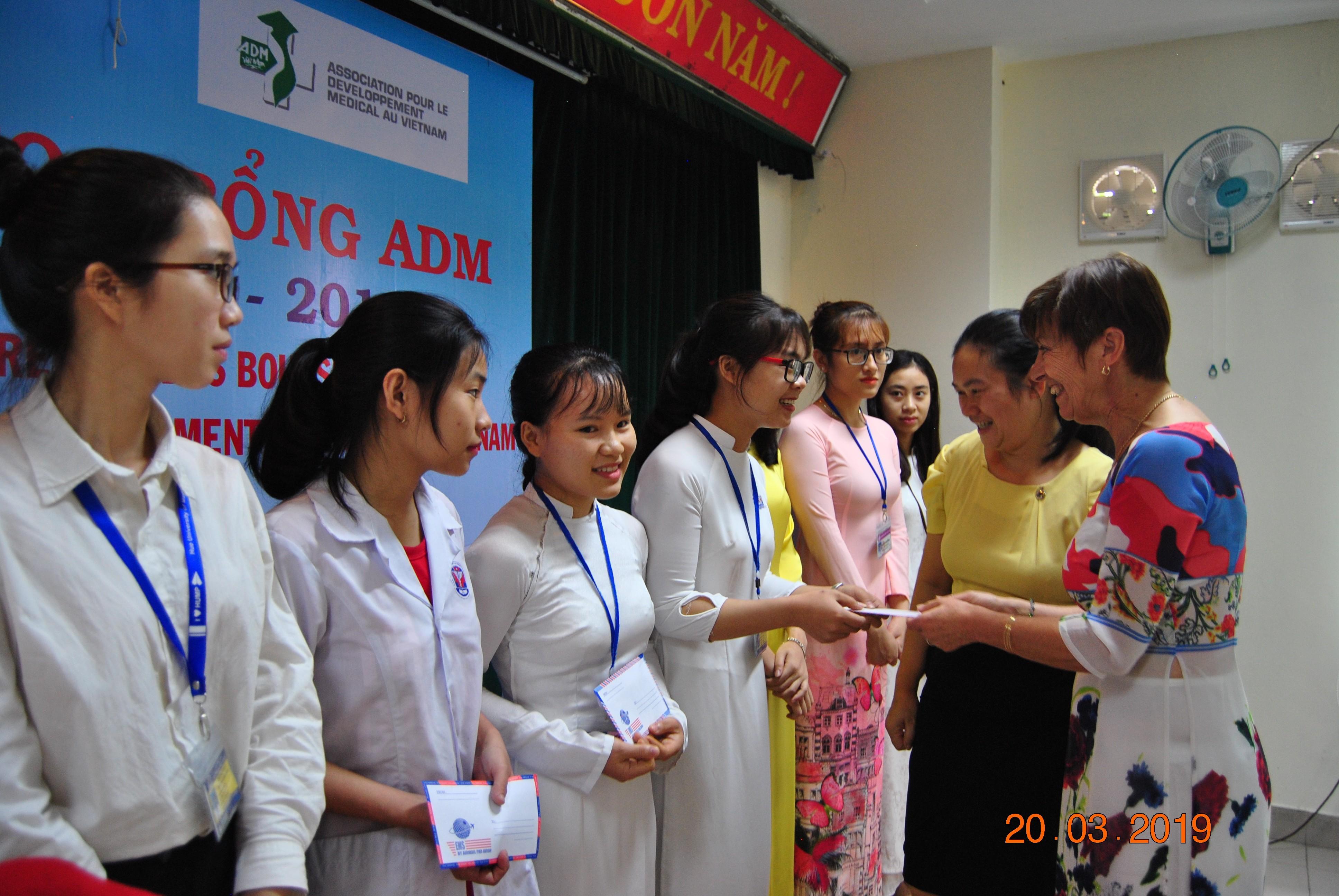 45 sinh viên được nhận học bổng ADM năm học 2018-2019