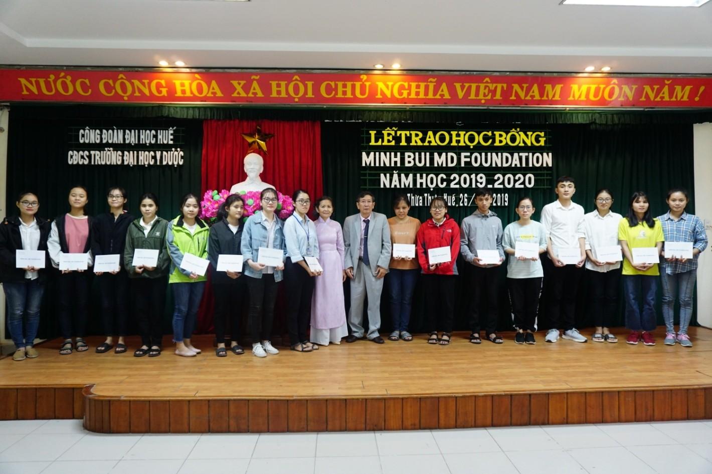 Trao học bổng Minh Bui Foundation cho 85 sinh viên