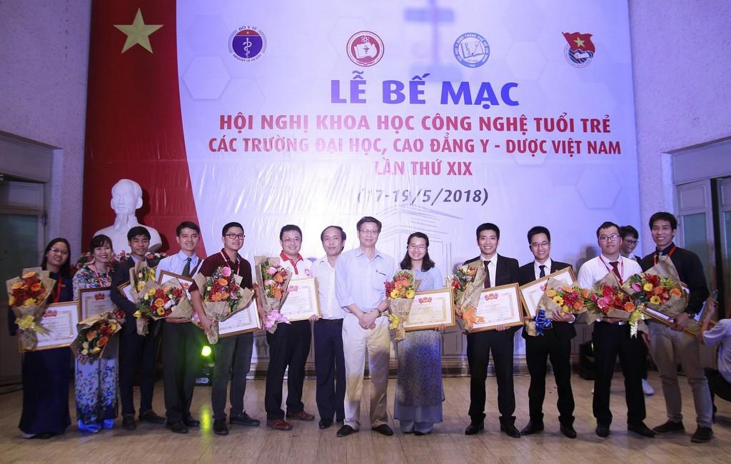Trường Đại học Y Dược Huế đạt thành tích cao tại Hội nghị khoa học công nghệ tuổi trẻ các trường Đại học, Cao đẳng Y Dược Việt Nam lần 19.