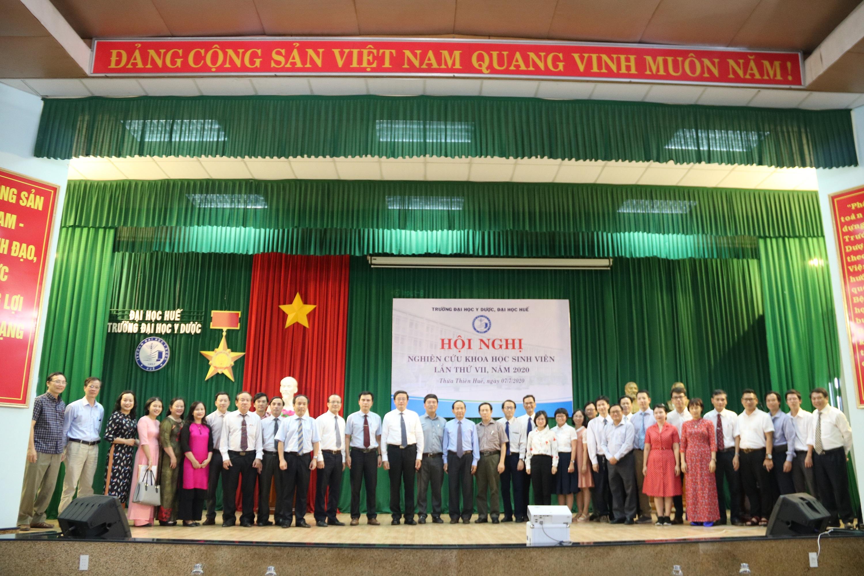 77 đề tài tham dự Hội nghị nghiên cứu khoa học sinh viên Trường Đại học Y Dược Huế lần thứ VII