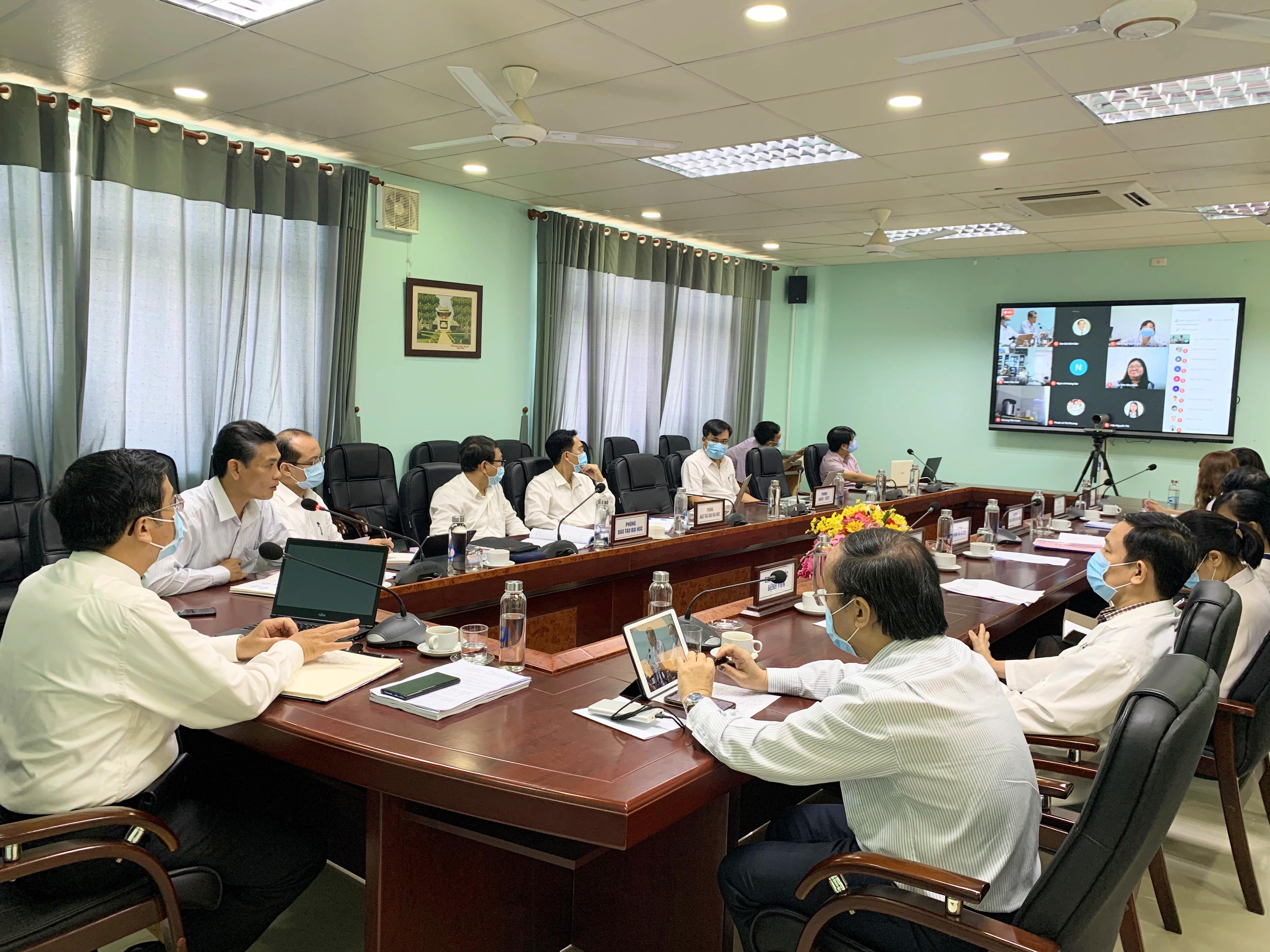 Hội nghị triển khai kế hoạch đào tạo và hoạt động khoa học công nghệ năm học 2020-2021