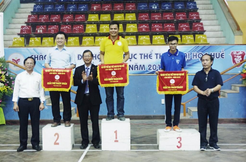 Trường Đại học Y Dược Huế đạt giải Nhì tại Đại hội thể dục thể thao Đại học Huế lần thứ IV