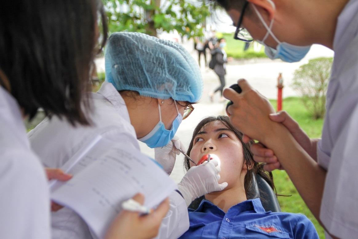 Tuần lễ khám và tư vấn răng miệng miễn phí hưởng ứng Ngày sức khỏe răng miệng thế giới