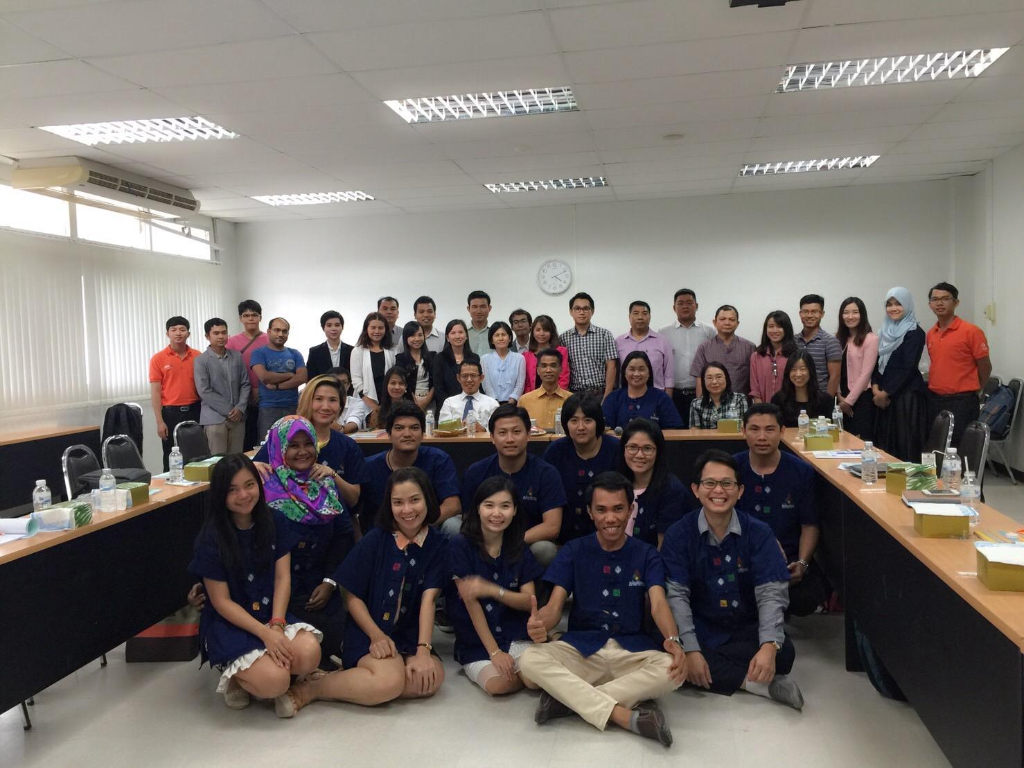 Sinh viên YHDP Khoa Y tế Công Cộng – Trường Đại học Y Dược Huế tham gia khoá thực tập hè tại Đại học Khon Kaen, Thái Lan