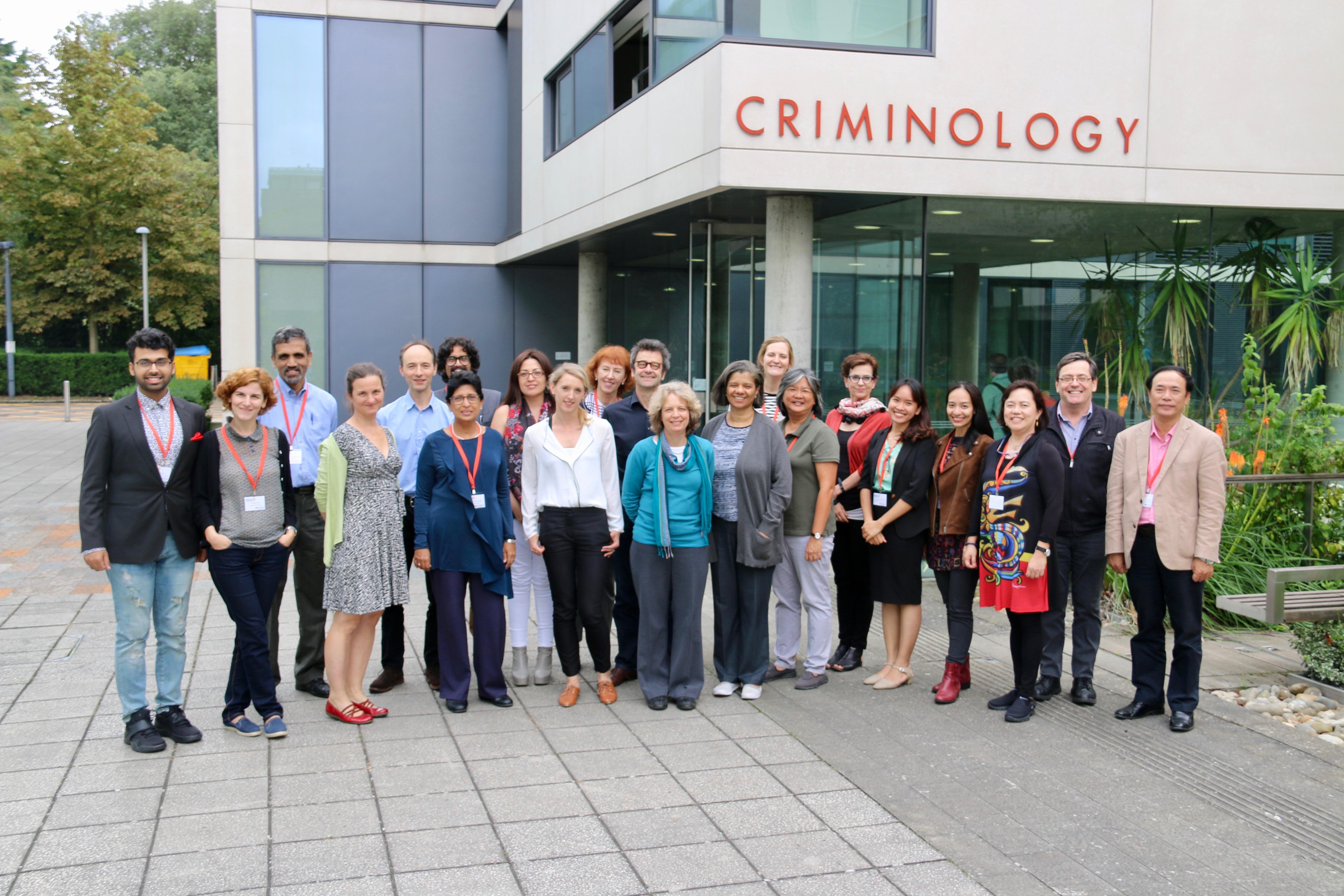 """Viện Nghiên cứu Sức khỏe Cộng đồng tham dự hội nghị """"Bằng Chứng Cho Cuộc Sống Tốt Đẹp Hơn"""" tại Cambridge, Vương Quốc Anh"""