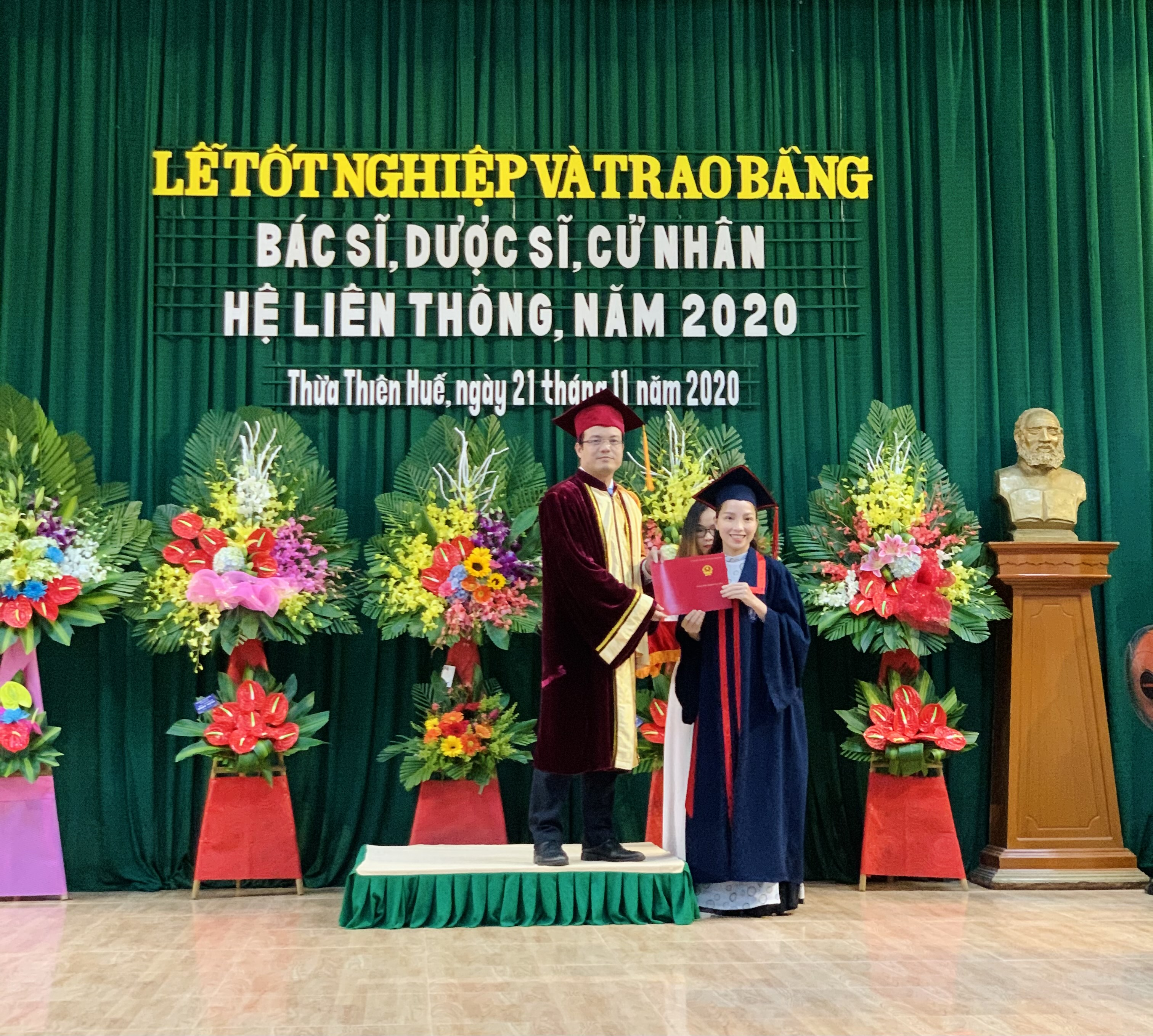 Lễ Tốt nghiệp và trao bằng tốt nghiệp đại học hệ liên thông năm học 2019-2020