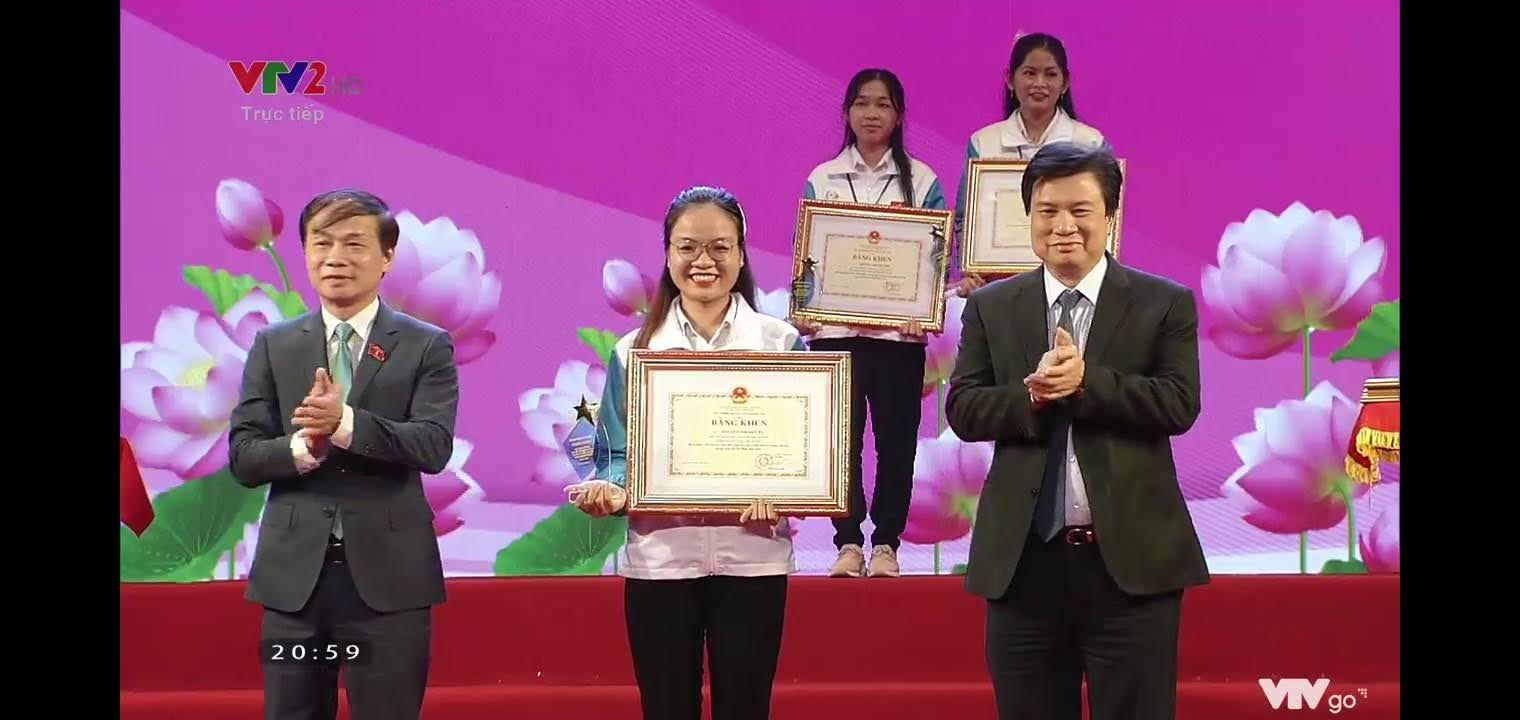 Sinh viên Trường Đại học Y - Dược Huế được tuyên dương học tập và làm theo tư tưởng, đạo đức, phong cách Hồ Chí Minh