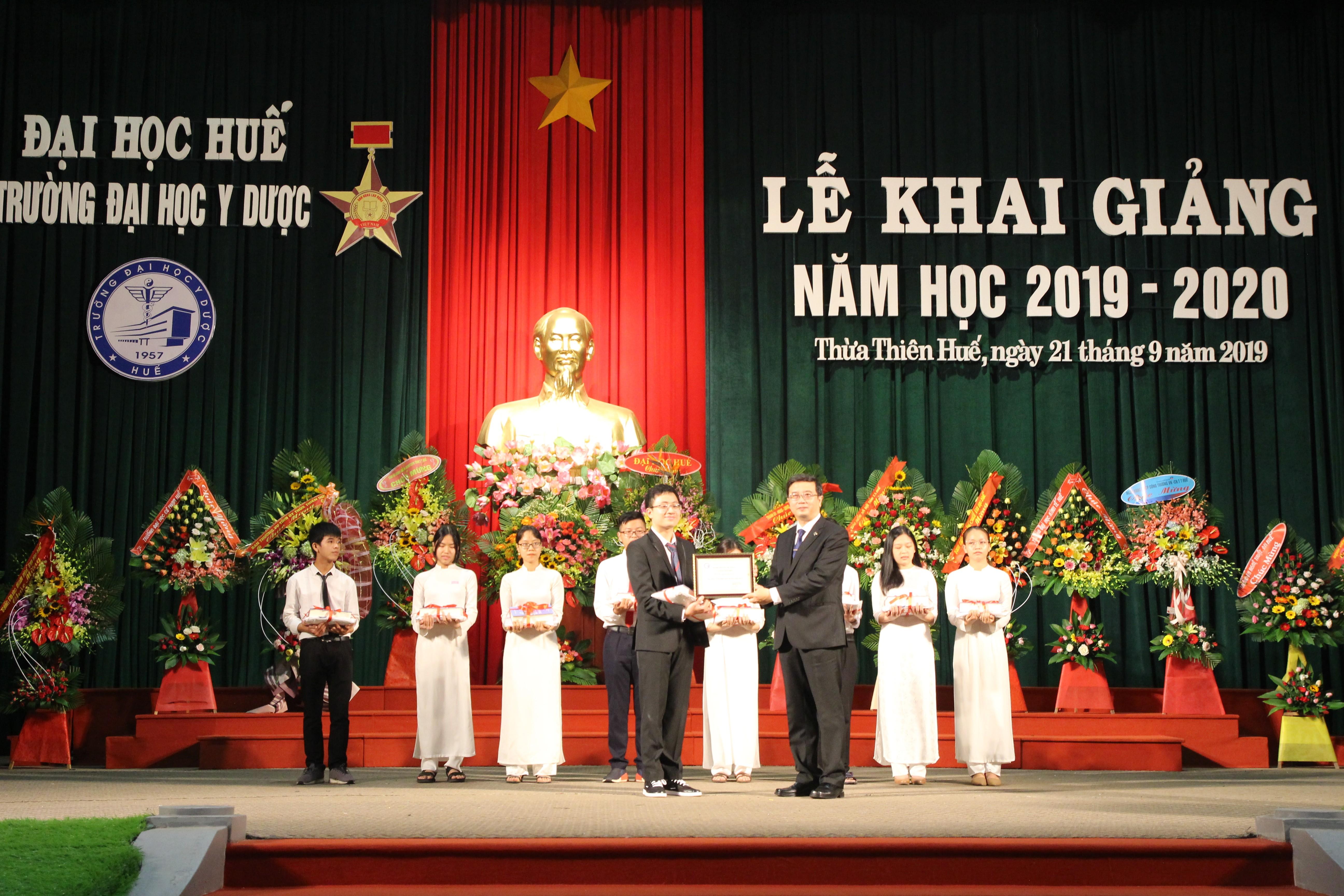 Truờng Đaị học Y Duợc Huế khai giảng năm học mới 2019-2020