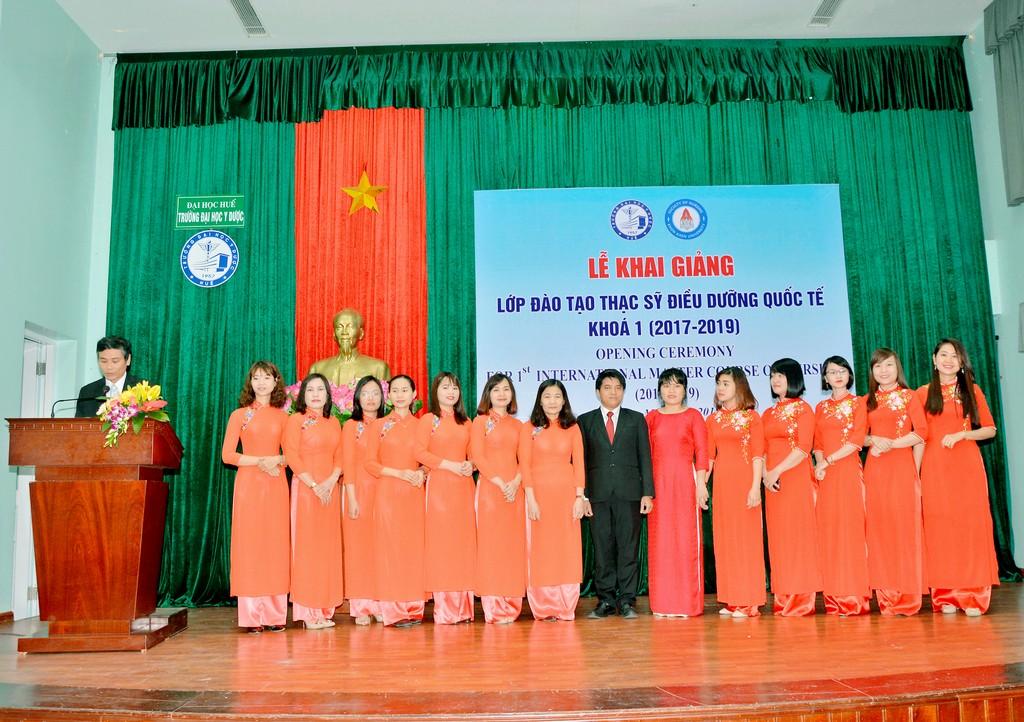Lễ khai giảng lớp Thạc sĩ Điều dưỡng chương trình quốc tế liên kết với Đại học KhonKaen, Thái Lan.