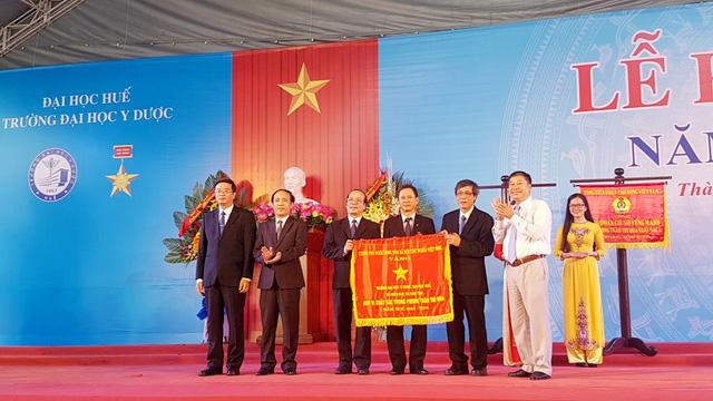 Lễ khai giảng năm học mới 2017-2018 và nhận Cờ thi đua của Thủ tướng Chính phủ.
