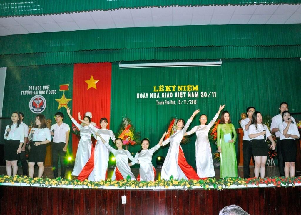 Đại học Y Dược Huế long trọng tổ chức Lễ Kỷ niệm ngày Nhà giáo Việt Nam 20/11