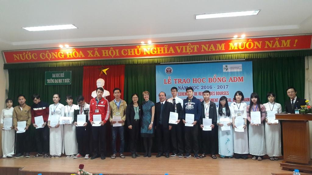 Lễ trao học bổng ADM năm học 2016-2017