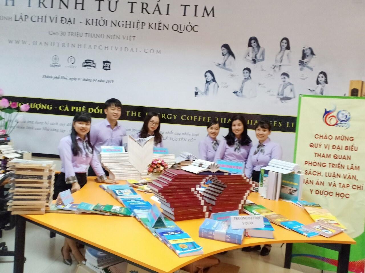 Trung tâm Thông tin Thư viện tham gia các hoạt động hưởng ứng ngày sách Việt Nam lần thứ 6