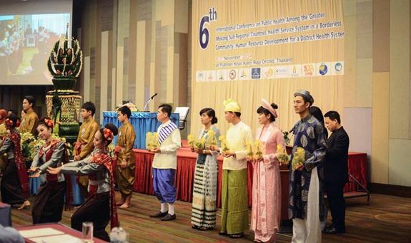 Chương trình giao lưu sinh viên Khoa YTCC ĐH Y Dược Huế tại Đại học Khon Kaen Thái Lan năm 2014