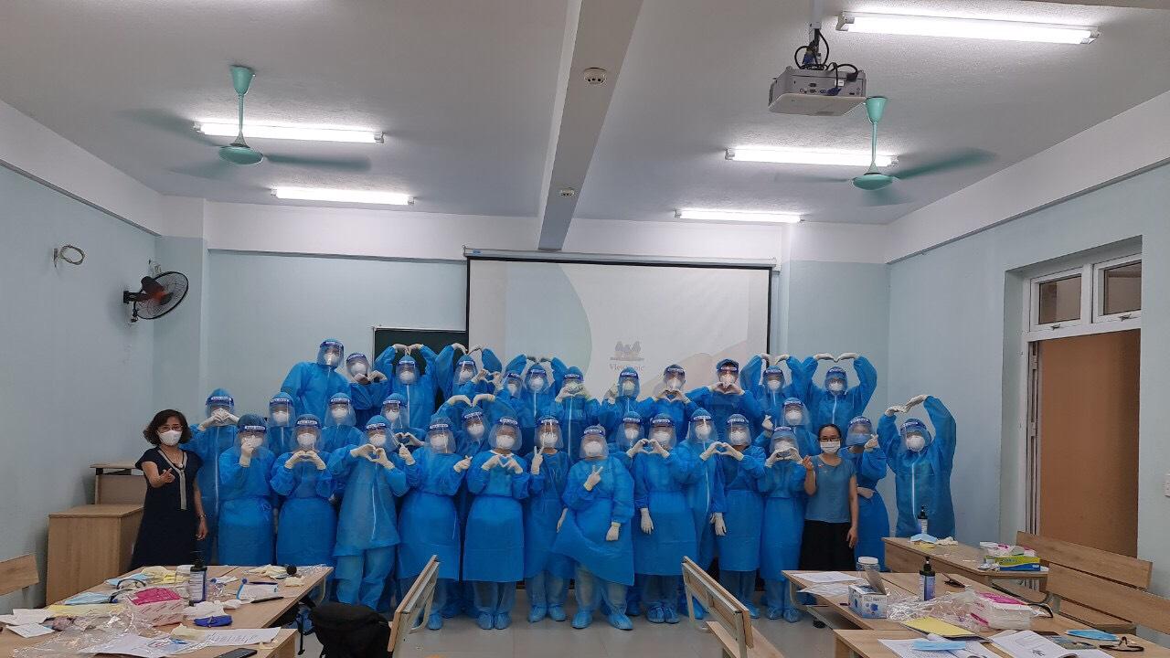 75 cán bộ và sinh viên tình nguyện Trường Đại học Y – Dược tham gia hỗ trợ công tác phòng chống dịch bệnh tại TP Hồ Chí Minh