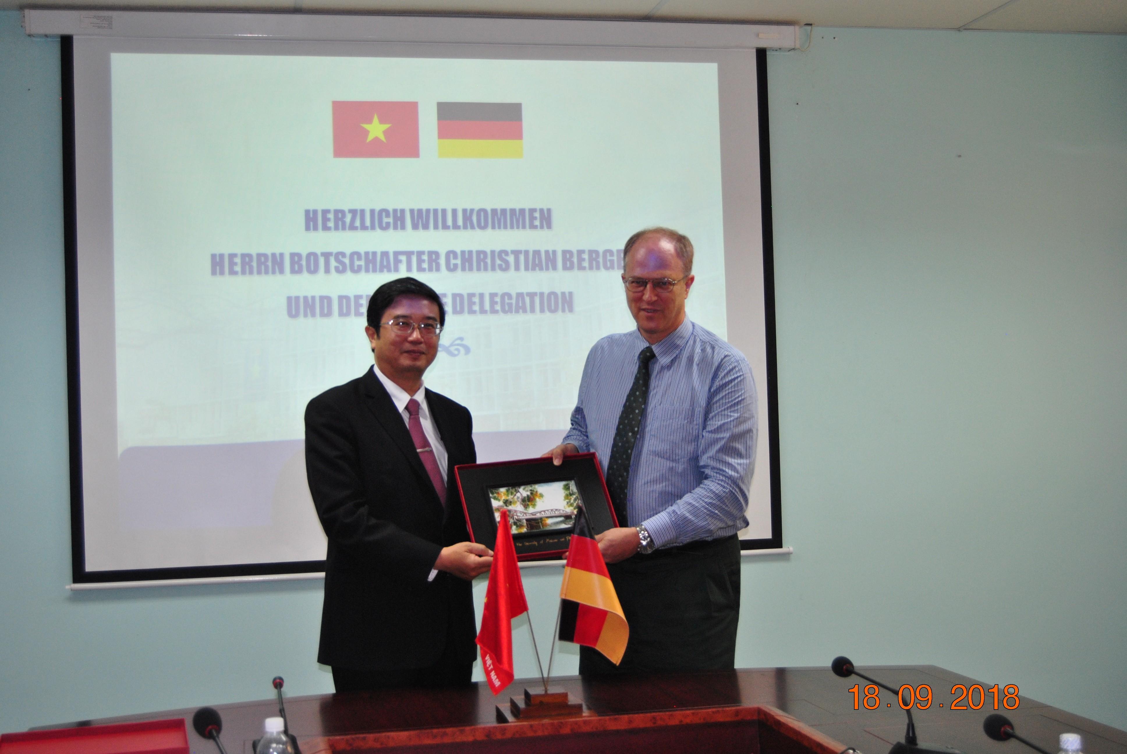 Tiếp ngài Đại sứ CHLB Đức tại Việt Nam