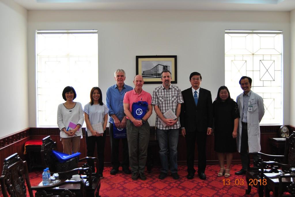 Tiếp đoàn Tổ chức Handicap International và làm việc về đánh giá tác động dự án.