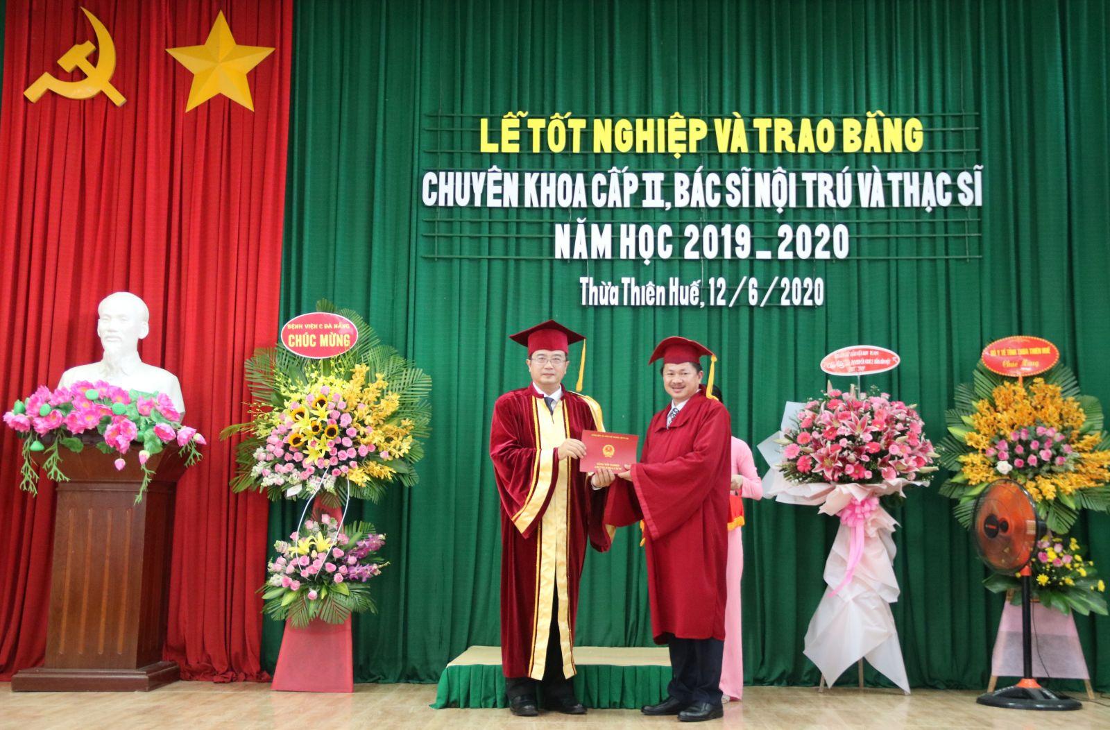 Lễ tốt nghiệp và trao Bằng tốt nghiệp Chuyên khoa II, Bác sĩ nội trú và Thạc sĩ năm học 2019 - 2020