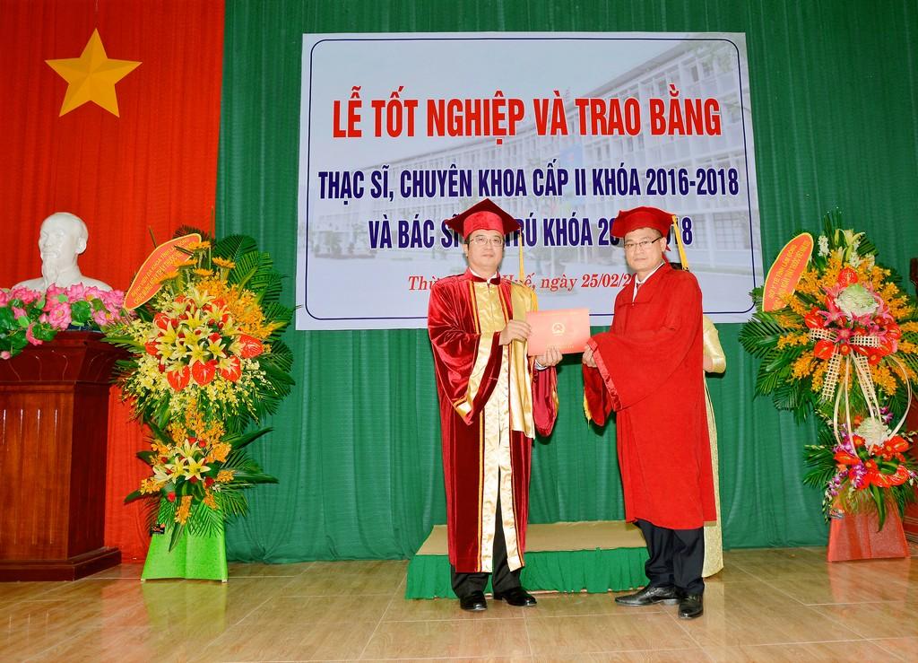 Lễ trao bằng Thạc sỹ, Chuyên khoa cấp II và Bác sĩ nội trú