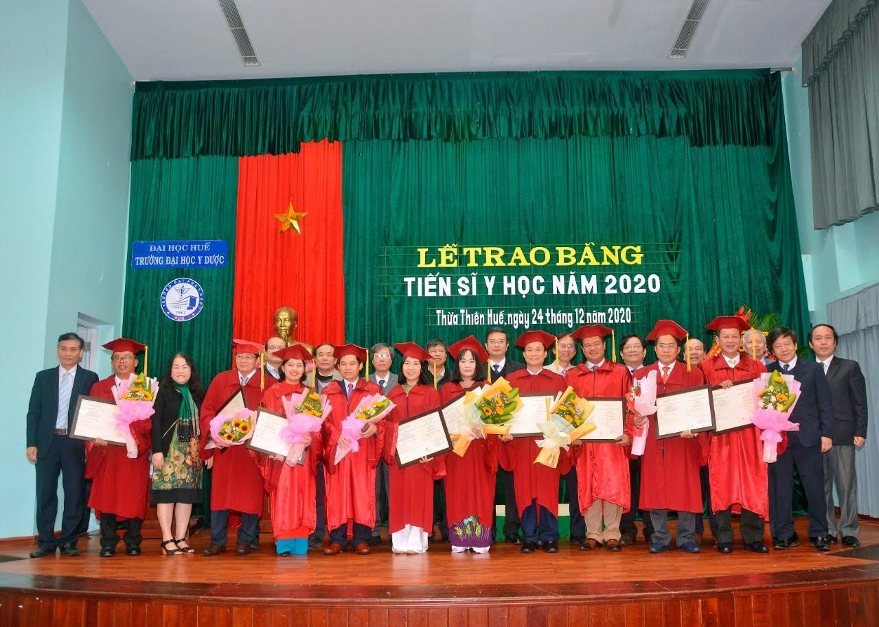 Lễ tốt nghiệp và trao bằng Tiến sĩ cho 11 nghiên cứu sinh năm 2020