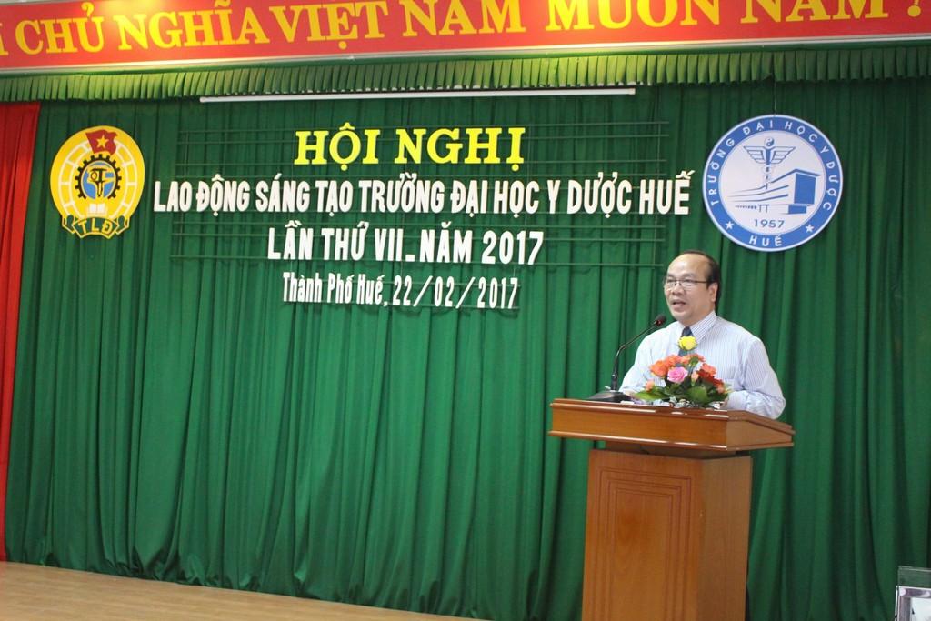 GS Võ Tam, Phó Hiệu Trưởng, Trưởng ban giám khảo phát biểu tại Hội nghị