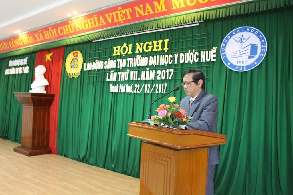 Đ/c Trần Văn Hòa Chủ tịch Công đoàn phát biểu khai mạc Hội nghị