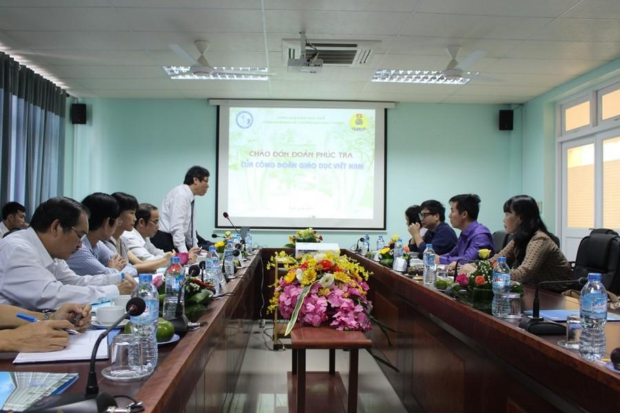 GS Cao Ngọc Thành Bí thư Đảng ủy, Hiệu trưởng Trường phát biểu