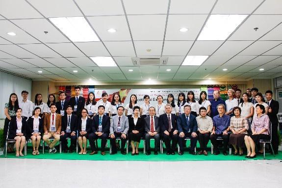 Chụp ảnh lưu niệm với Khoa YTCC – ĐH Thammasat
