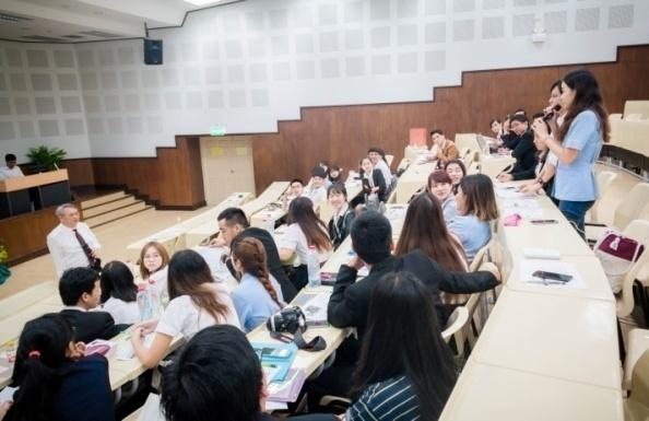 Tham gia lớp học sức khỏe môi trường