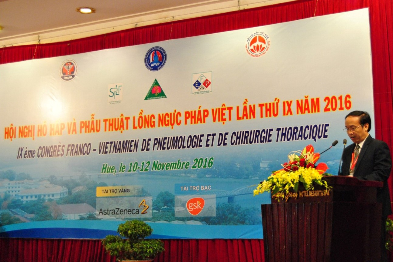 PGS.TS Nguyễn Khoa Hùng – Phó hiệu trưởng trường Đại học Y Dược Huế phát biểu tại hội nghị khai mạc
