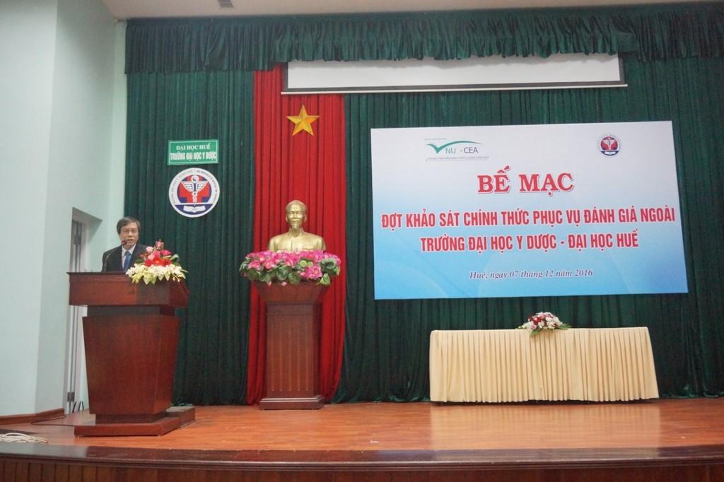 GS.Cao Ngọc Thành, Bí thư Đảng ủy, Hiệu trưởng Trường phát biểu tại lễ bế mạc