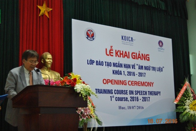 GS Kim Huyn Gi tuyên bố khai giảng khóa đào tạo