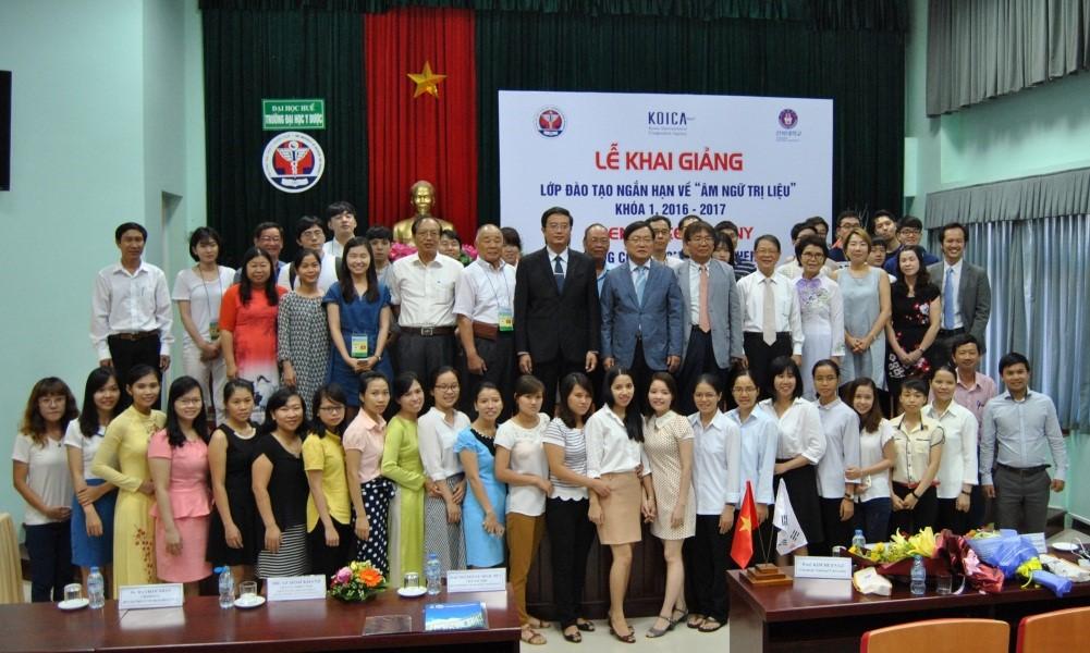 Toàn thể đại biểu và học viên Khóa học